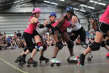 Team USA vs London Brawling - Roller Derby